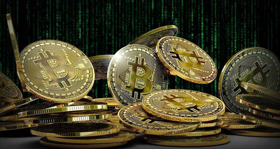 Devrais-je choisir une crypto-monnaie plutôt qu'une monnaie fiduciaire ?